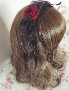 Manuelle coiffe lolita noire motif rose rose