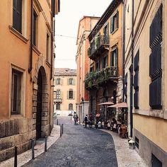 Passare la giornata a programmare i prossimi viaggi non è poi una giornata sprecata 😅  #Verona #igersVerona