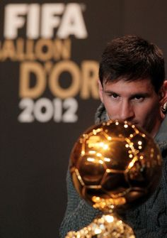 "Great pic from FOXSoccer: ""Lionel Messi has his eyes on the prize ahead of the 2012 FIFA Ballon d'Or ceremony."""