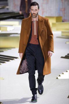 Guarda la sfilata di moda uomo Ermenegildo Zegna a Milano e scopri la collezione di abiti e accessori per la stagione Autunno Inverno 2017-18.