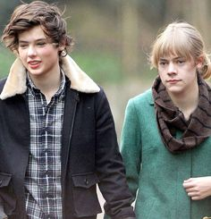 Harry Styles And Taylor Swift Swap Faces!
