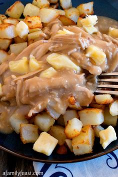 Poutine-Style Turkey, Gravy and Potatoes - An easy and delicious Thanksgiving twist on a classic Canadian dish! Thanksgiving Leftover Casserole, Turkey Casserole, Thanksgiving Leftovers, Cream Of Turkey Soup, Turkey Gravy, Turkey Tenderloin Recipes, Turkey Meatball Soup, Savory Herb, Sweet Potato Pancakes