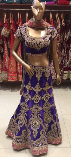The colors of the season have come in ! They look absolutely magnificent. This lehenga is just one of those beauties! Come in to see more!  #armaansbridal #lehenga #bridal #indianbridal #desiwear #newyork #asianwedding #asianbridal #dulhan #shaadi #nikaah