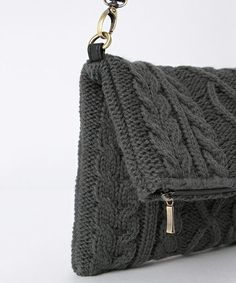"""Ikka's """"knit cable clutch bag (clutch … – Bags Hand Knit Bag, Diy Bags Purses, Recycled Sweaters, Macrame Bag, Boho Bags, Knitted Bags, Handmade Bags, Etsy Handmade, Small Bags"""