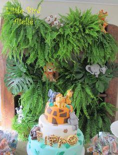 Painel de plantas naturais com os bichinhos espalhados!