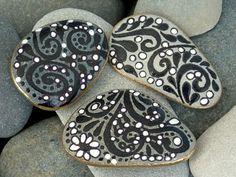 Negro & blanco imanes / pintado rocas / Sandi Pike Foundas