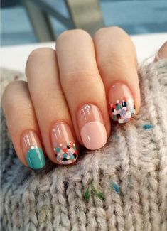 Colorful nail design, dotted nail design, teal green and pink color mani - Spring Nails Dot Nail Designs, Colorful Nail Designs, Colourful Nails, Minimalist Nails, Love Nails, Pretty Nails, Nagellack Trends, Manicure E Pedicure, Gel Manicures