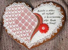 České perníčky jsou nejkrásnější!  Czech decorating gingerbread cookies are most beautiful
