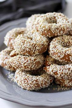 Vegan Greek Olive Oil and Orange Cookies - Baked Ambrosia - Sweet Stuff - Greek Sweets, Greek Desserts, Greek Recipes, Vegan Desserts, Vegan Recipes, Lebanese Recipes, Greek Cookies, Pink Cookies, Cake