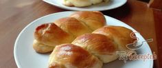 Extra jemné, lahodné croissanty s čokoládou Spring Recipes, Hot Dog Buns, Food To Make, Food And Drink, Easter, Bread, Cooking, Breakfast, Partys