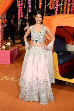 Beautiful in #Lehenga @TenaDesae1 at the London premier of 'The Second Best Exotic Marigold Hotel'