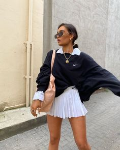 it, a shopping discovery app that allows you to instantly shop your favorite influencer pics across social media and the mobile web. Cute Casual Outfits, Retro Outfits, Stylish Outfits, Vintage Outfits, Office Outfits Women Casual, Casual Dresses For Women, Clothes For Women, Teen Fashion Outfits, New Outfits