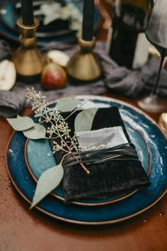 Thinking of using black in your wedding color palette? Check out these black wedding decor ideas for a variety of aesthetics and themes. Top Wedding Trends, Wedding Ideas, Wedding Stuff, Budget Wedding, Wedding Venues, Dream Wedding, Wedding Inspiration, Wedding Table Linens, Table Wedding