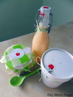 Mandarinen-Lassi und Griesbrei mit Apfel-Zimt-Mus (Etikett!)