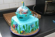 Easy octonauts cake with toy gup topper.