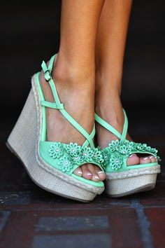 Flower Power Wedges: Seafoam Green