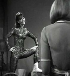 Little Brain Child: Zoe appreciation, part the first Wendy Padbury, Sci Fi Tv Series, Jon Pertwee, Doctor Who Companions, William Hartnell, Photography Movies, Classic Doctor Who, Second Doctor, Dalek