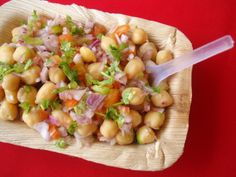 A quick oil free chaat that works as a great salad too. You can use either black chickpeas, hara chana or kabuli channa.