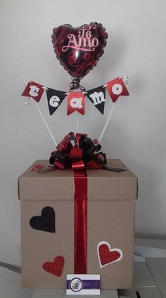 Easy and Fun DIY Valentines Gifts for Boyfriend - Explosion Box - - exploding box for valentines Diy Christmas Gifts For Boyfriend, Easy Diy Christmas Gifts, Gifts For Your Boyfriend, Handmade Christmas, Valentines Bricolage, Valentines Diy, Valentine Day Gifts, Diy Party Gifts, Diy Gifts