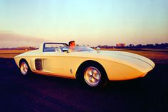 FORD MUSTANG ROADSTER CONCEPT CAR (1962)