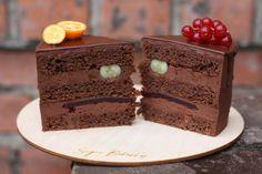 Этот торт отлично подойдет для любителей всего
