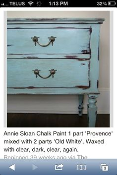 Provence mixed with Old White Chalk Paint®