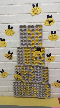 Bee activities / preschool / for kids – Baby Ideas Bee Activities, Animal Activities, Bee Crafts For Kids, Art For Kids, Bees For Kids, Children Crafts, Fun Crafts, Recycled Art Projects, Insect Crafts