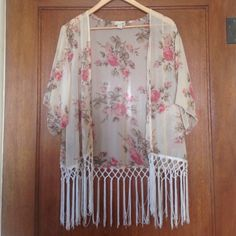 Floral cardigan Oversized floral cardigan with tassels on the bottom LA Hearts Sweaters Cardigans