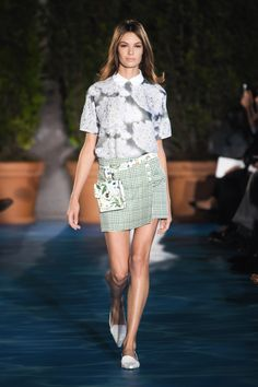 c83b90d07faa View the Tory Burch Spring 2014 RTW collection.