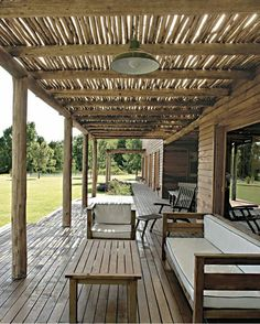 The wooden pergola is a good solution to add beauty to your garden. If you are not ready to spend thousands of dollars for building a cozy pergola then you may devise new strategies of trying out something different so that you can re Gazebo Pergola, Rustic Pergola, Wooden Pergola, Cheap Pergola, Pergola Plans, Rustic Outdoor Decor, Rustic Backdrop, Rustic Desk, Corner Pergola