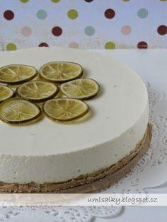 """Moje """"nejka"""" miluje kyselkavé dezerty, a proto jsem na její včerejší narozeniny připravila opravdu svěží limetkový dort. Jedná se o rece..."""