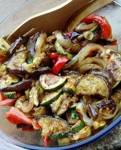 Salada de Legumes Grelhados Veggie Recipes, Salad Recipes, Vegetarian Recipes, Cooking Recipes, Healthy Recipes, Good Food, Yummy Food, Light Recipes, Food And Drink