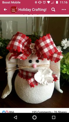 So easy and fun to make 🐰❤️ Rabbit Crafts, Bunny Crafts, Easter Crafts, Easter Decor, Christmas Fabric Crafts, Holiday Crafts, Homemade Crafts, Diy And Crafts, Hoppy Easter