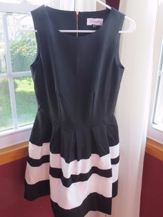 Cool Awesome Closet London Fit & Flare Black/White Contrast Dress Size US 4 UK 8 Modcloth  2017/2018 Check more at http://24shopme.cf/fashion/awesome-closet-london-fit-flare-blackwhite-contrast-dress-size-us-4-uk-8-modcloth-20172018/