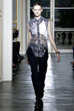 Balenciaga Spring 2011   Paris Fashion Week