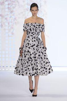 Ralph and Russo Couture Spring/Summer 2016 - HarpersBAZAAR.co.uk