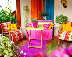 I love the bright, fun colors in this room. It seems like they have every color in the rainbow in there.