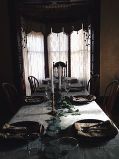 Our holiday table  Foxandpoppy Instagram