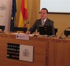 La AEPD reitera la necesidad de reforzar la protección de la privacidad en la Red http://www.europapress.es/portaltic/internet/noticia-aepd-reitera-necesidad-reforzar-proteccion-privacidad-red-20120517091443.html