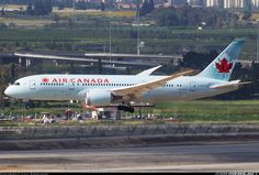 Nice wing flex for this Air Canada 787-8 Dreamliner arriving at Tel Aviv.