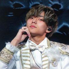 画像に含まれている可能性があるもの:1人 Kento Nakajima, Prince, King, Actors, My Love, Boys, Love, My Boo, Young Boys