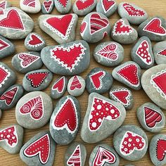 ✓ Best Painted Rocks ideas, a weapon that will destroy your boredom … - Valentine's Day Rock Painting Patterns, Rock Painting Ideas Easy, Rock Painting Designs, Pebble Painting, Pebble Art, Stone Painting, Heart Painting, Valentine Decorations, Valentine Day Crafts