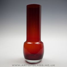 Riihimaki ruby glass vase
