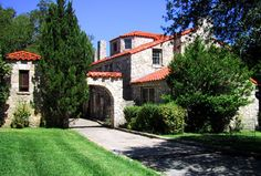 The charming Manor House was built in 1929 by W.O. Seagraves and extended in the 1930s by Dan Moran.