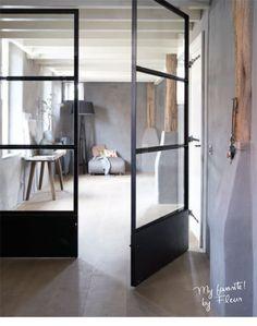 deur tussen hal/woonkamer en woonkamer/keuken