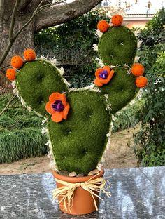 Cactus Craft, Cactus Decor, Felt Flowers, Fabric Flowers, Felt Crafts, Diy And Crafts, Felt Succulents, Diy Cadeau, Cactus Y Suculentas