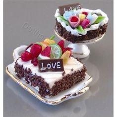 Dollhouse Design Cake : cake decorating on Pinterest Wilton Cake Decorating ...