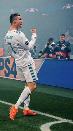 Foto Cristiano Ronaldo, Cristiano 7, Football Players, Real Madrid, Baseball Cards, Wallpaper, Sports, Hs Sports, Soccer Players