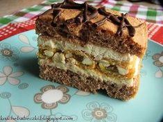 Ciasto z masą z serka mascarpone i michałkami Polish Desserts, Polish Recipes, Polish Cake Recipe, Baking Recipes, Cake Recipes, Mousse Cake, Food Goals, Pavlova, Cupcake Cakes