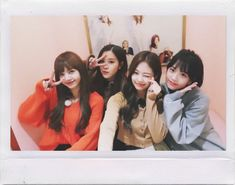 Imagine kpop, lisa, and rose Kpop Girl Groups, Korean Girl Groups, Kpop Girls, Kim Jennie, Yg Entertainment, Forever Young, K Pop, Blackpink Members, Idole